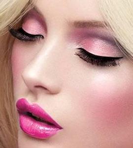 Салон макияж девушки